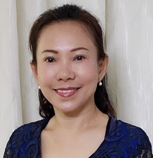 Julie Wong Headshot