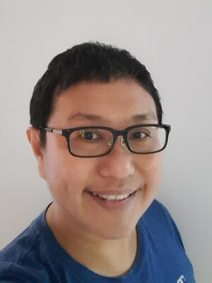 Yu Poh Leng Headshot