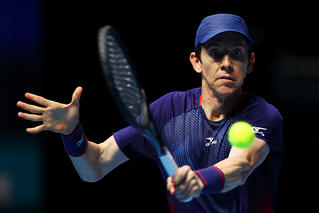 Smith ends spirited fightback by Jaziri to reach main draw of STO