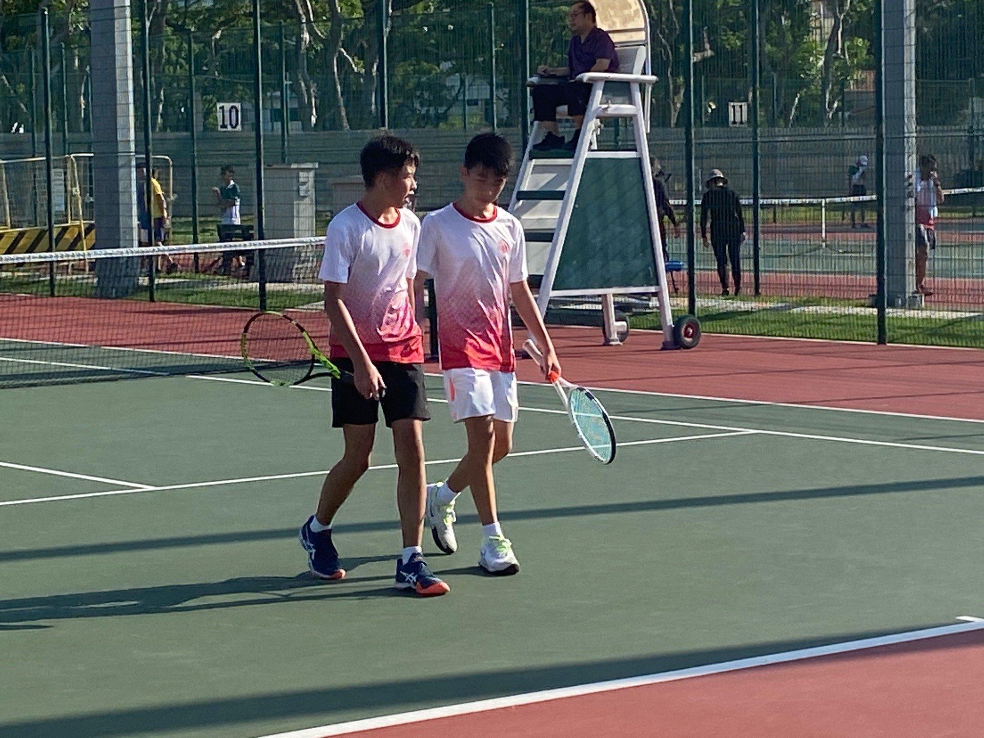 NSG B Division boys' tennis Victoria vs SJI 1st doubles