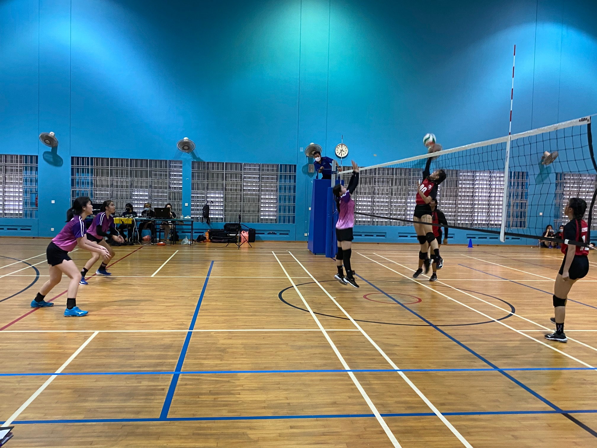 NSG South Zone B Div girls volleyball final - Queenstown (red) v Queensway (purple) 2