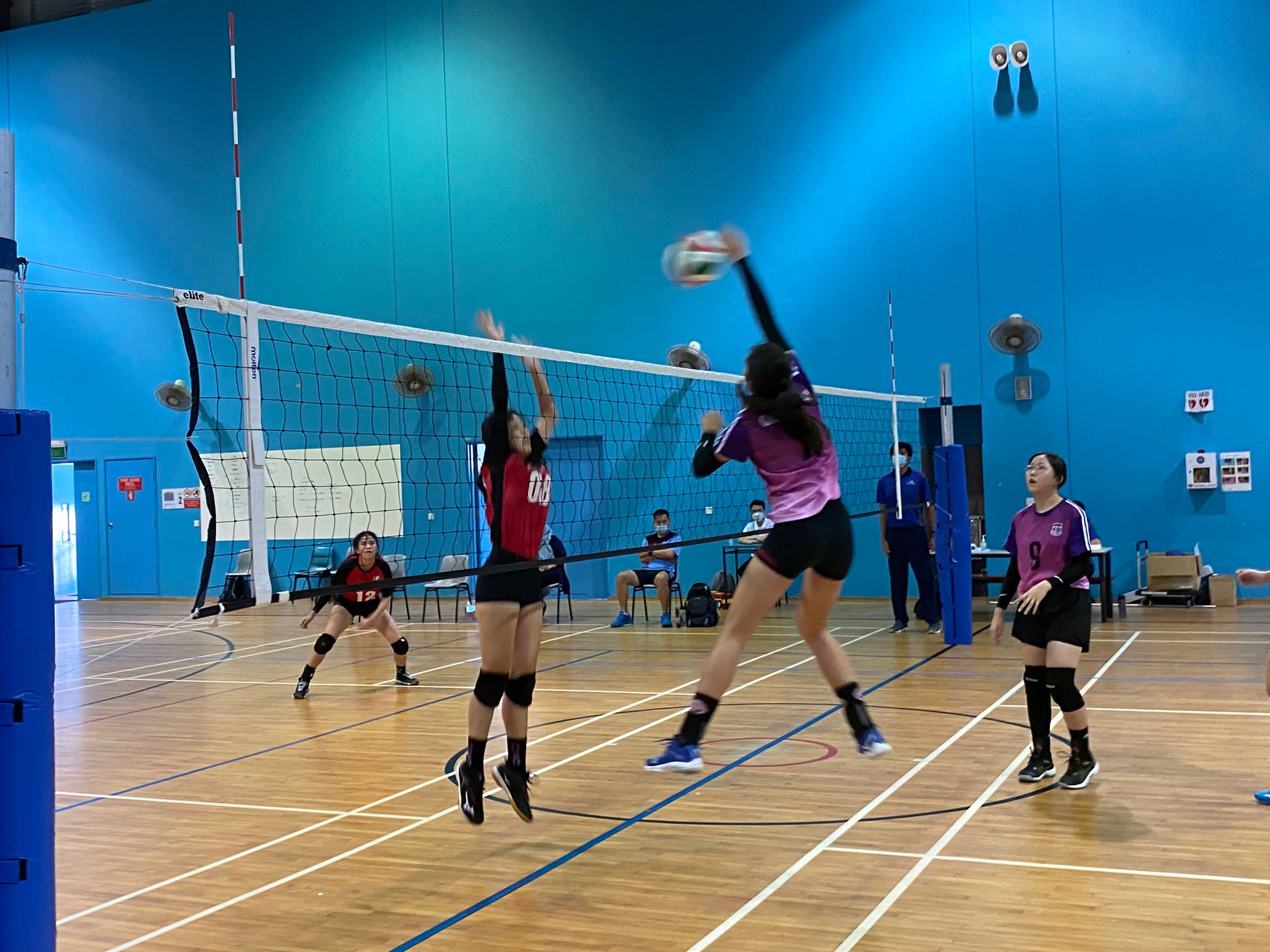 NSG South Zone B Div girls volleyball final - Queenstown (red) v Queensway (purple)