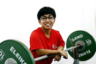 Tokyo 2020 : TeamSG Para-Powerlifter Nur'Aini is hoping to create history on her Paralympic debut!