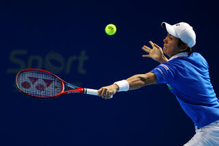 STO 5th seed Nishioka eases into QF stage, after taking down big serving American, Maxime Cressy!
