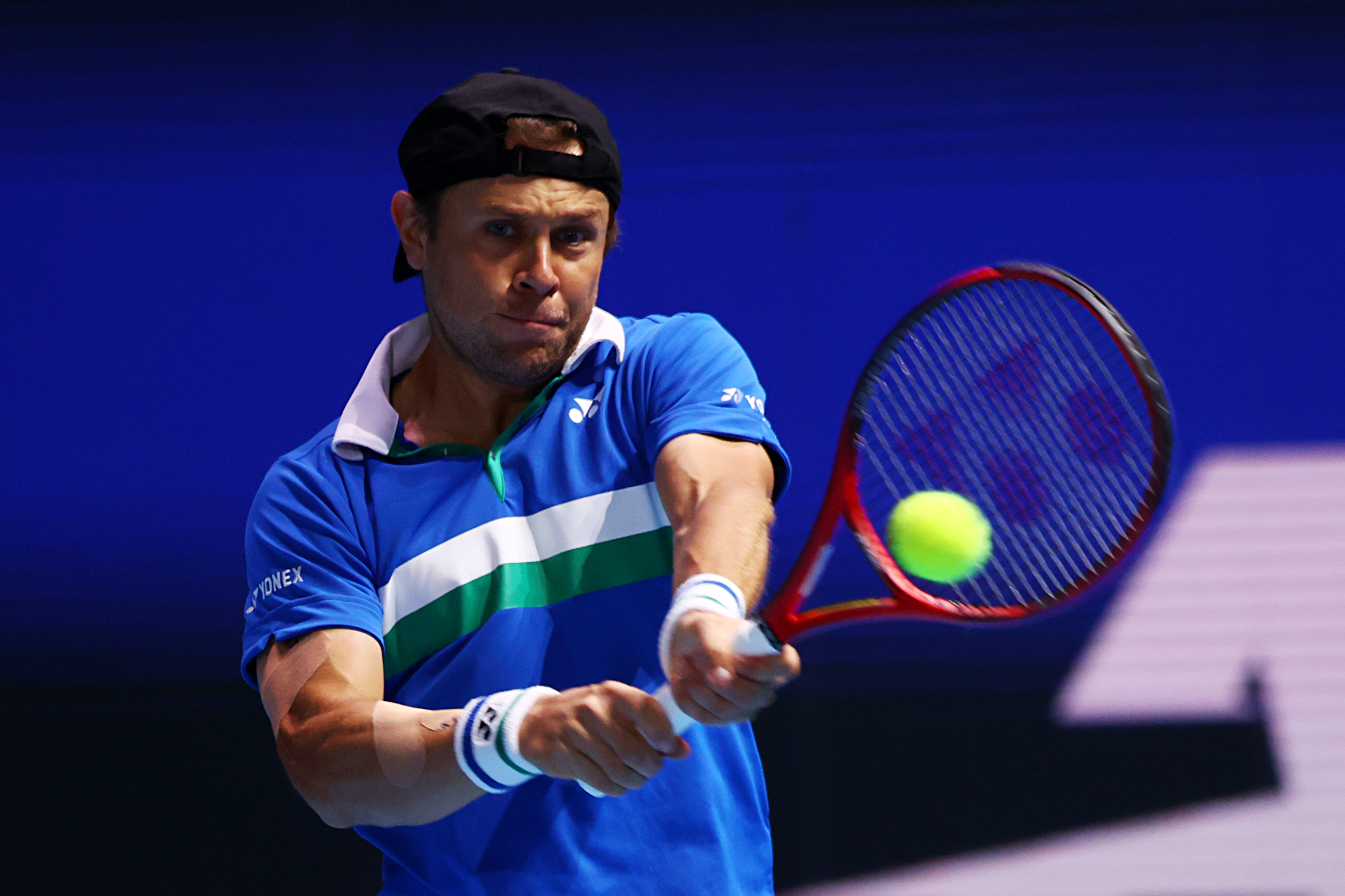 STO 6th seed Radu Albot clings on to victory, after surviving a scare from doubles specialist, John-Patrick Smith!